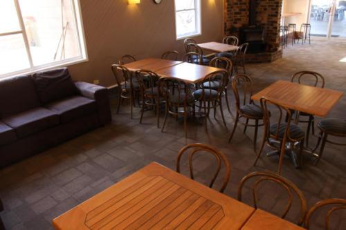 Charlie's Cafe 2